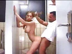 Nagy fasz az olajban. ingyen amatőr szexfilm Guy Annika Albright barbár módon, Nagy Segg olajjal.