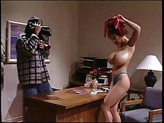 Szexi fehérneműben, piros. A lányok fokozatosan pózolnak, hogy felfedjék a testet, nem ingyen nezheto porno filmek túl vékony.