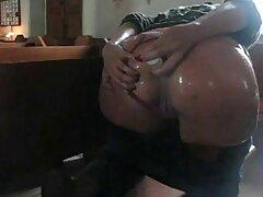 Tini szórakozás a szex szopás, kibaszott a azyza porno barátokkal.