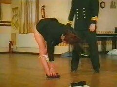Anális a konyhában pornofilmek magyarul a feleségével. Szőke készül a reggeli, a férje jött mögötte, majd elkezd ugratni vele. Engedményeket kellett tennie, mert dugni akar, és még van idő munka előtt.