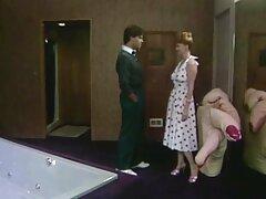 Pornó szexi ruhában. Két aranyos lányok szexvideo teljes film magyarul öltöztetős ruháikat, majd elkezdte elcsábítani a férfiak. Beleegyeztek, és elkezdtek baszakodni velük.