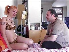 Nonton video porno ingyen sex porno Young online a szaunában, vagy letölthető az Ön által jó minőségű mp4 formátumban.