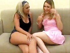 A lányok intették a kezét. Közeledik porno film ingyen egy férfi egy szoknya, szopás