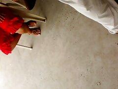 Fotó a porno film ingyen szőke szépség kezéről. Szexi lány azt mutatja, lencse fűtés elülső puha.